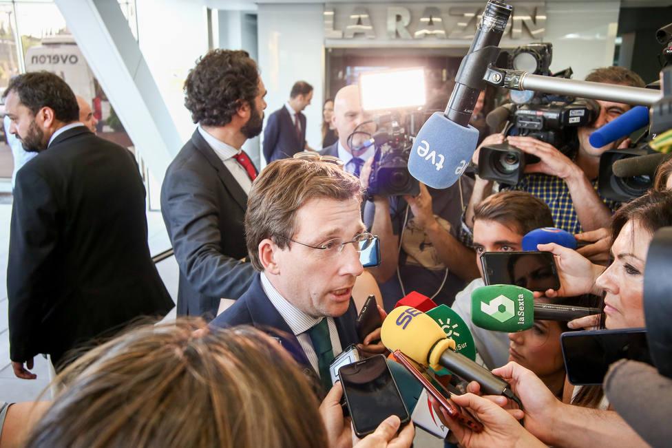 Almeida reitera que PP cumplirá con Vox, a quien afea su actitud porque todavía no han negociado