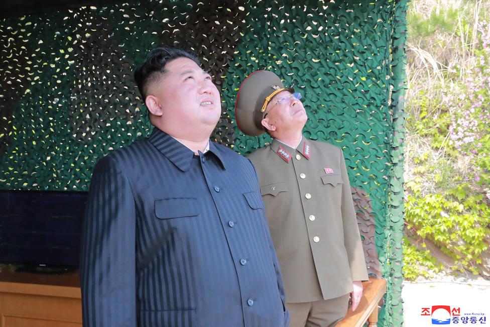 Corea del Norte lanza dos proyectiles no identificados hacia el este, según Corea del Sur