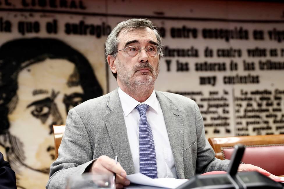 Manuel Cruz, presidente del Senado, copió a nueve autores en su manual de filosofía
