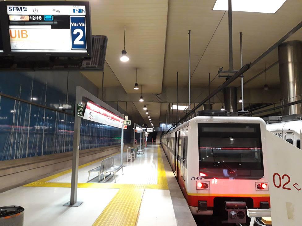 El metro sigue fuera de servicio