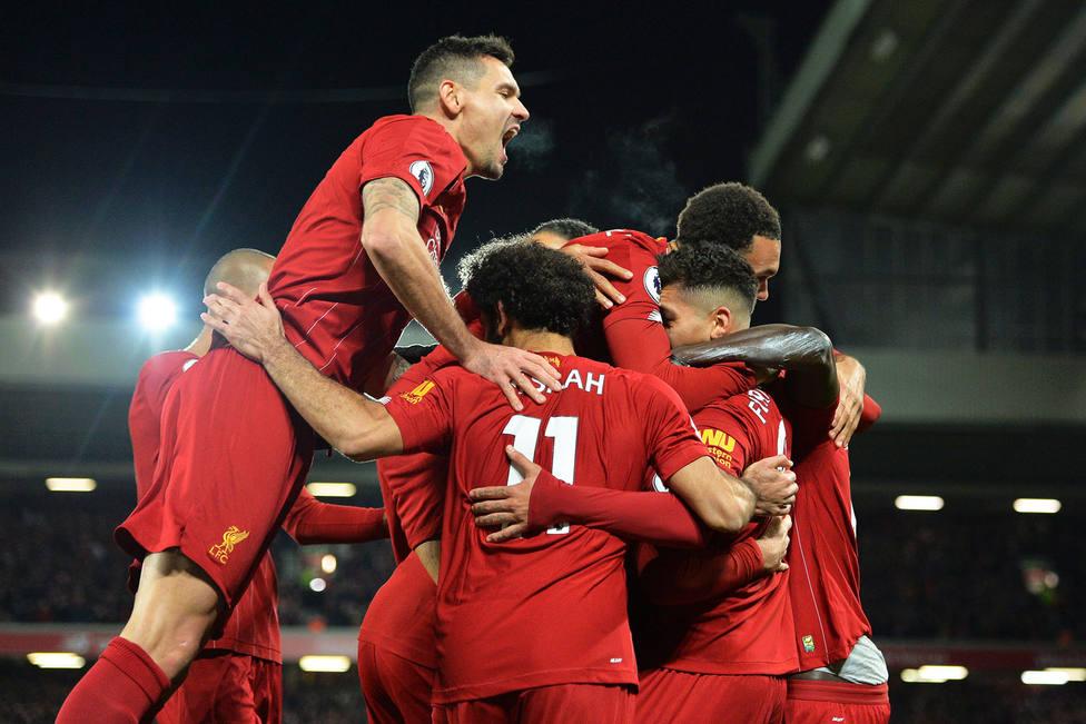 El Liverpool celebra uno de los goles al City (EFE)