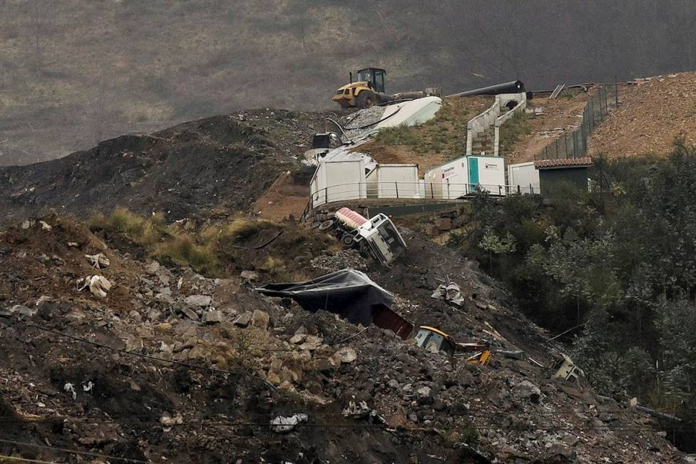 Recomiendan no ventilar ni hacer deporte por fuego en vertedero de Zaldivar