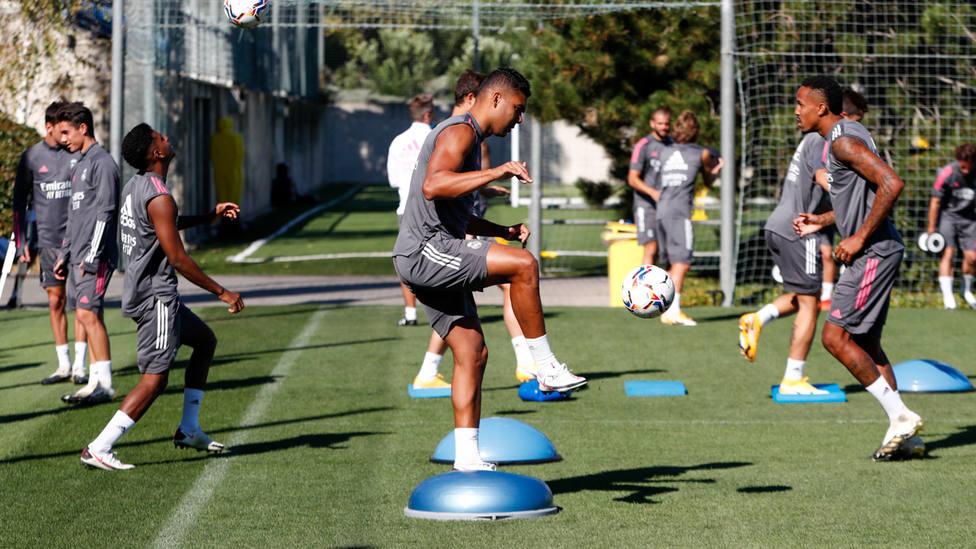 El Real Madrid continúa su semana de entrenamientos sin descanso, con Asensio y Mariano en solitario