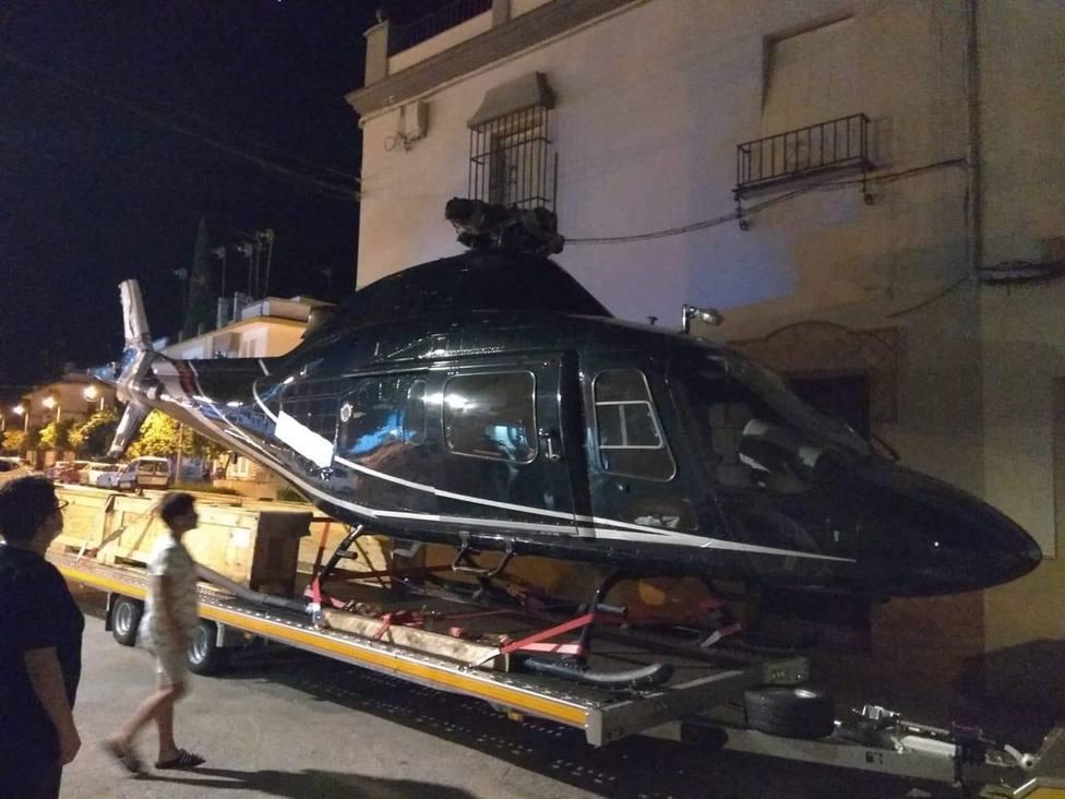 Se pierde con el GPS y atasca un helicóptero en el centro de la localidad cordobesa de Palma del Río