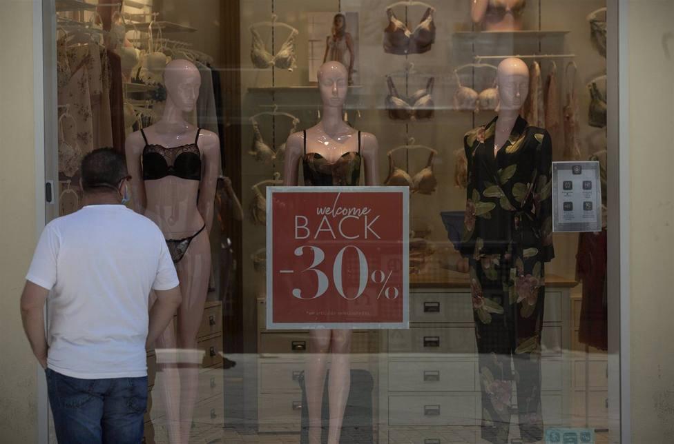 Sevilla.- Casi 50 comercios del centro avisan de que el sector se desangra y reclaman un plan de rescate