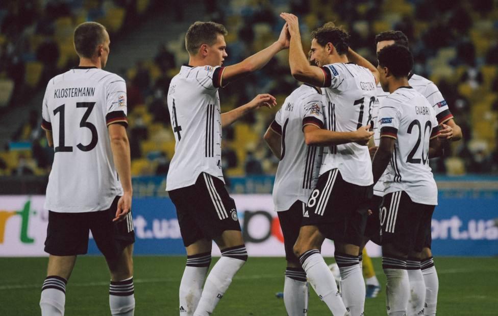 Alemania persigue el liderato de España con su primera victoria