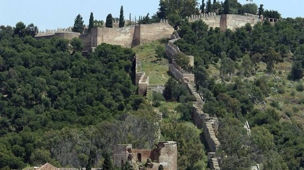 Málaga.- Urbanismo acomete trabajos de conservación y mantenimiento del conjunto monumental Alcazaba-Gibralfaro