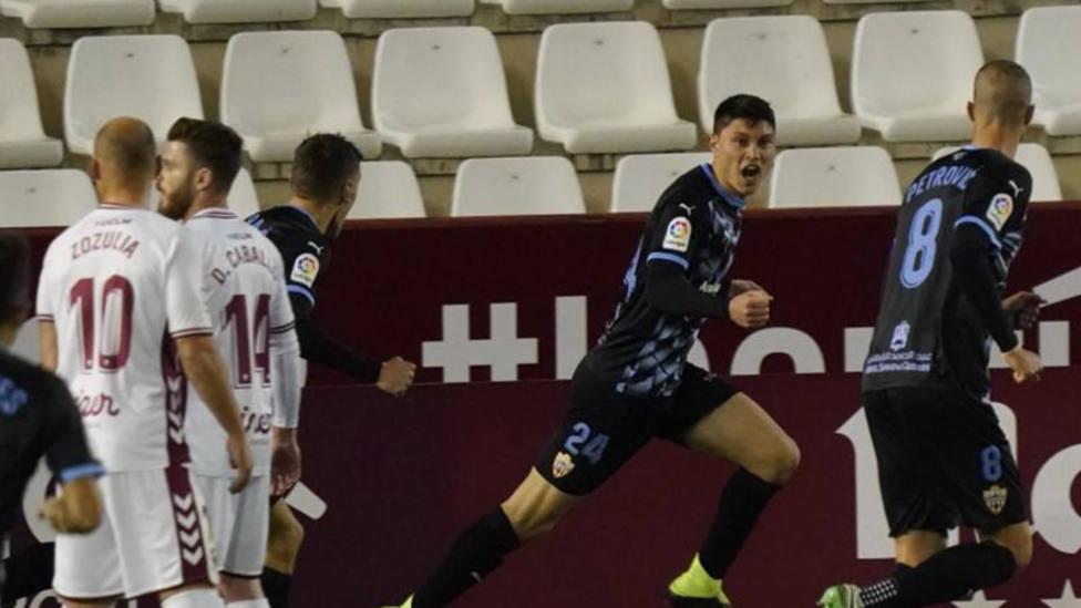 El Almería sigue al alza