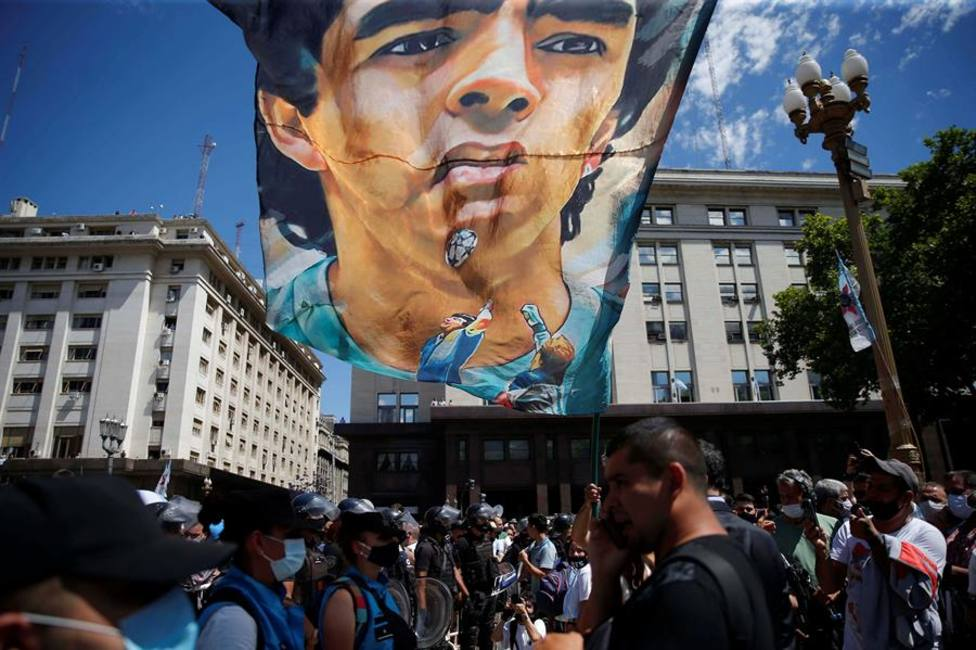 Homenaje a Maradona