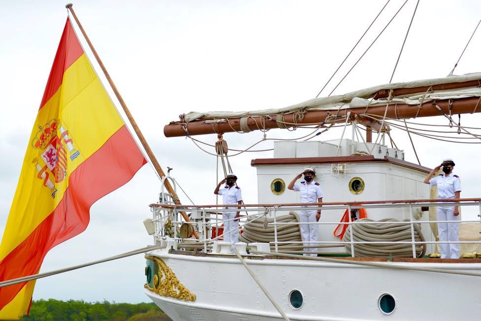 Armada Española en el buque Juan Sebastián Elcano