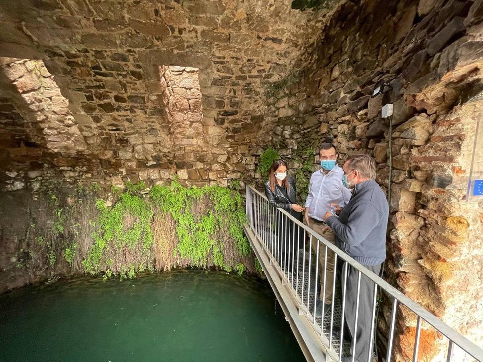 Luis Salaya visita la cisterna de San Roque