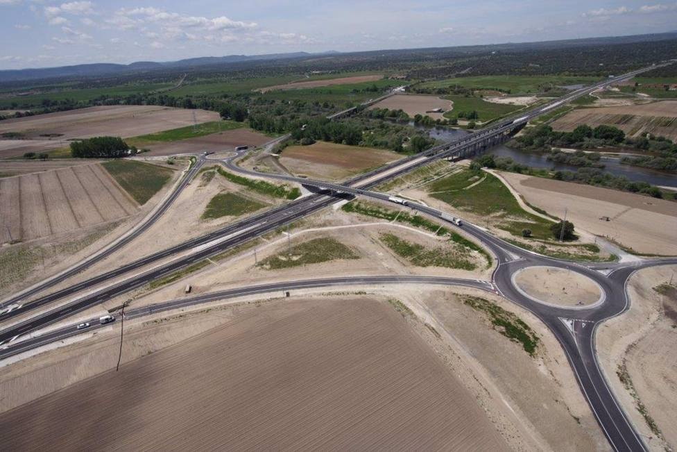 La Junta invierte más de 8 millones de euros en la conservación y mantenimiento de las autovías regionales