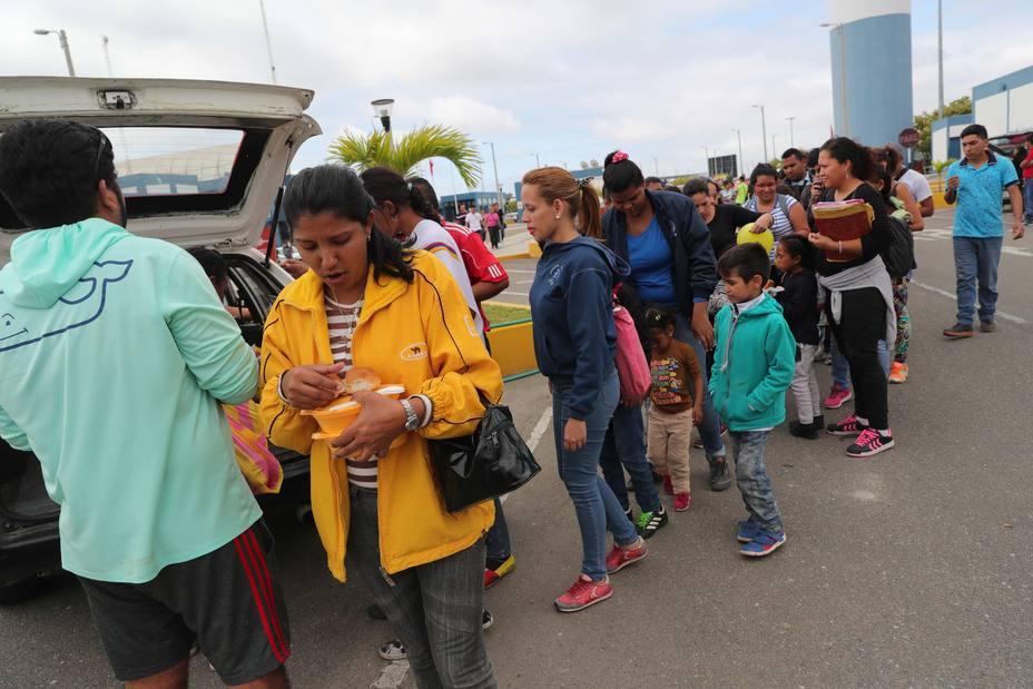 Tribunal ecuatoriano anula la exigencia de pasaporte a venezolanos