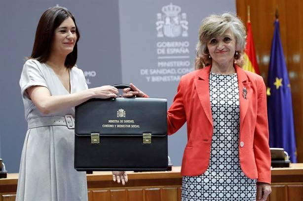 La nueva ministra de Sanidad agradece a Montón su ejemplo dando un paso a un lado