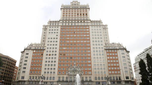La jueza permite reanudar las obras del Edificio España tras su paralización