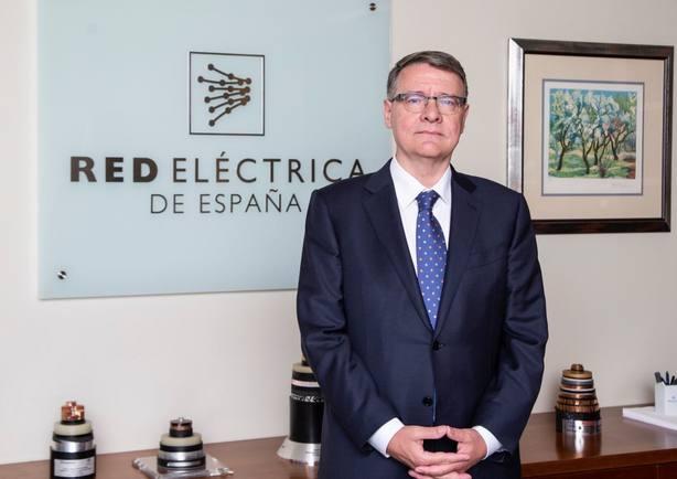 Los títulos de REE caen un 1,6% tras anunciar la compra de Hispasat a Abertis
