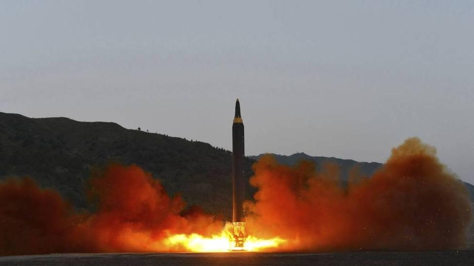 Corea del Norte lanza dos proyectiles no identificados hacia el mar de Japón