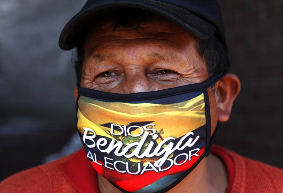 Dimiten los ministros de Salud y Trabajo de Ecuador por la crisis del coronavirus