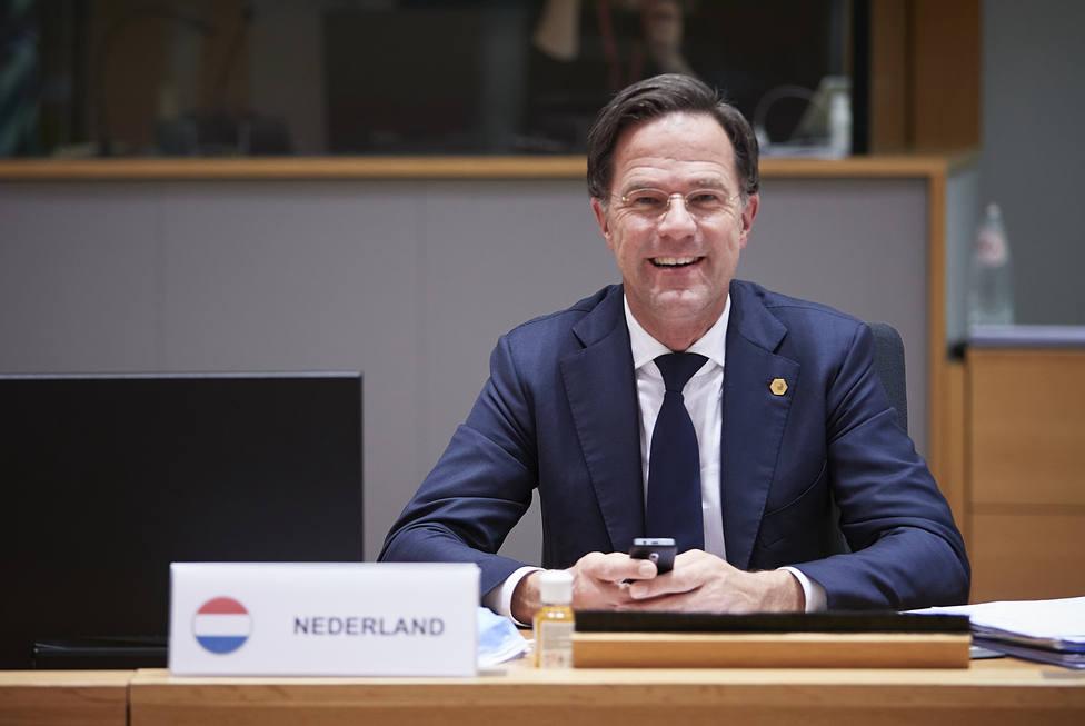 Dimite el Gobierno holandés por el escándalo sobre ayudas sociales