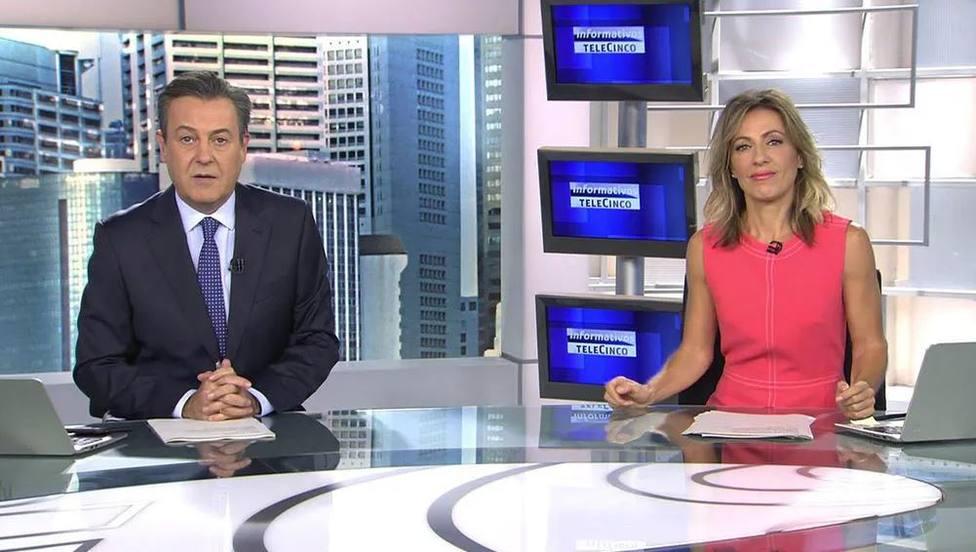 José Ribagorda y Ángeles Blanco dan la nota en Telecinco con su particular despedida: Nos vamos con él