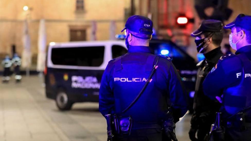 La Policía Nacional vigila las calles de una ciudad española. Foto (Archivo)