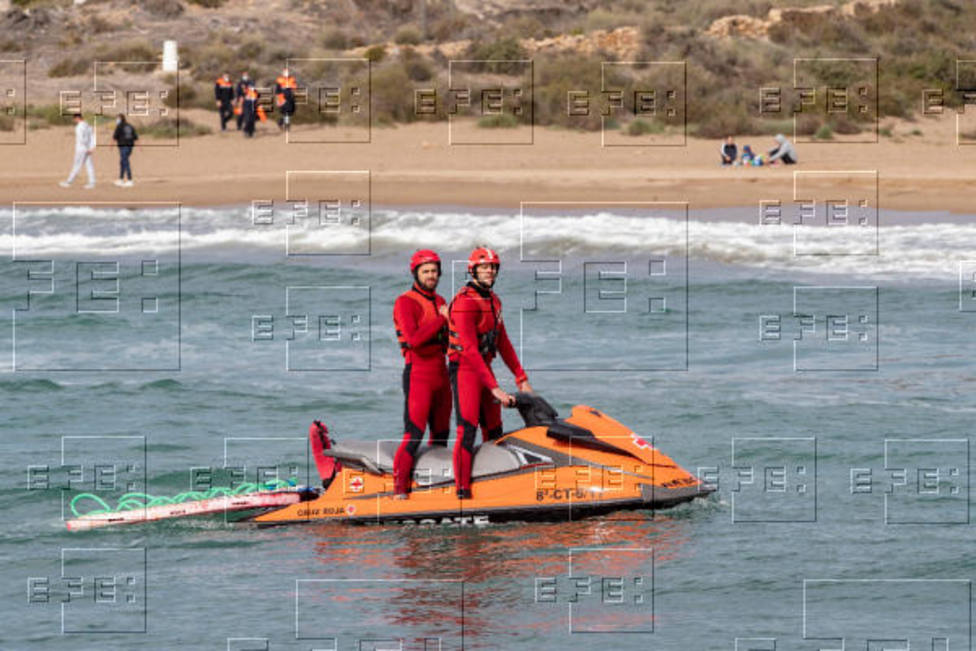 Detenido el patrón patera llegó a Mazarrón y de la que se buscan 9 personas