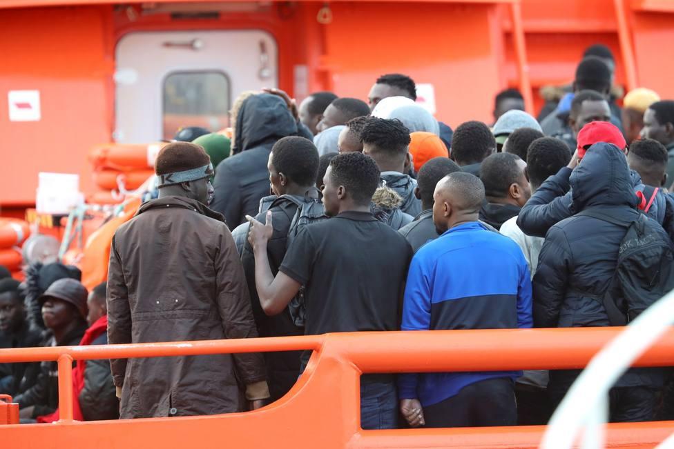 Cerca de un centenar de inmigrantes rescatados a 154 km de Gran Canaria