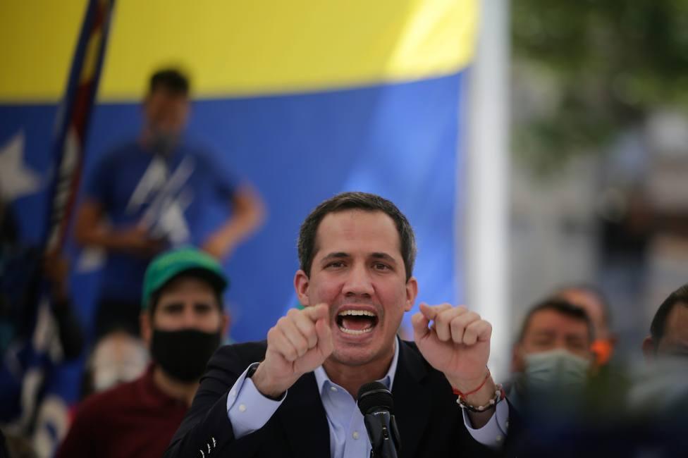 Guaidó asegura que sus vecinos intervinieron para evitar su detención