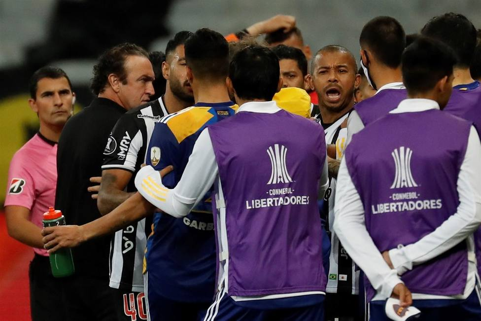 La eliminación de Boca Juniors en Brasil termina en pelea