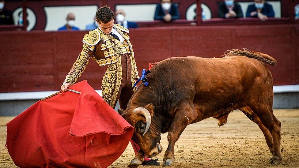Rubén Núñez durante la faena al novillo de Jandilla en el que dio la vuelta al ruedo