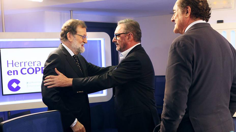 Carlos Herrera recibe a Mariano Rajoy en el estudio Antonio Herrero