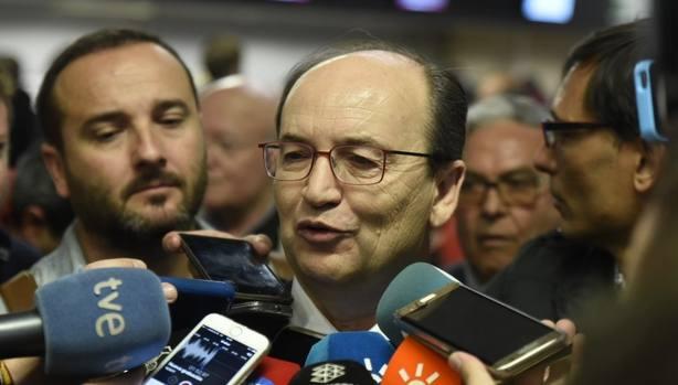 José Castro: Si podemos mejorar el equipo lo volveremos a hacer, pero paso a paso hasta que abra el mercado