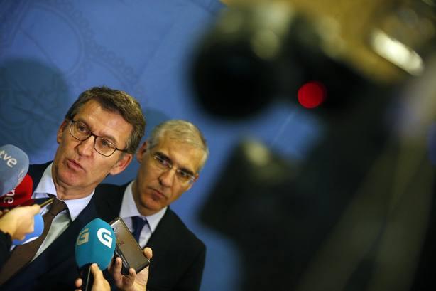 Alberto Núñez Feijóo atiende a los medios