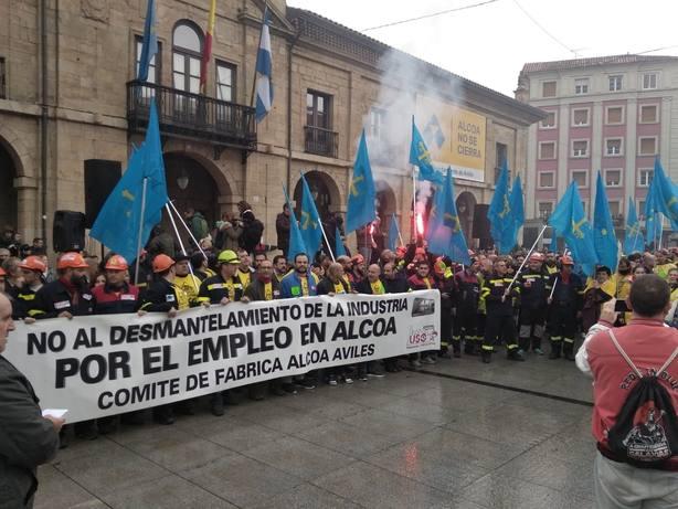 La alcaldesa de Avilés pide al Gobierno la intervención temporal de la planta avilesina y la de A Coruña
