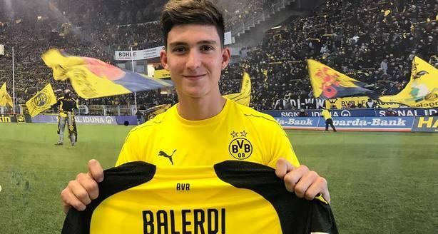 El Borussia Dortmund ficha al prometedor central argentino Leonardo Balerdi