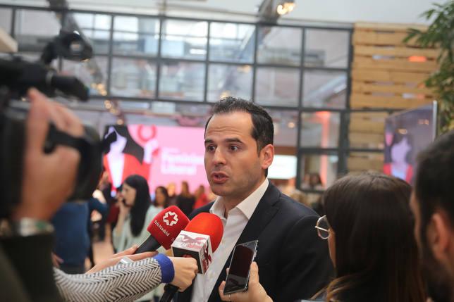 Aguado defiende soterrar la A-5 por fases y dice que las multas en Madrid Central son la guinda del despropósito