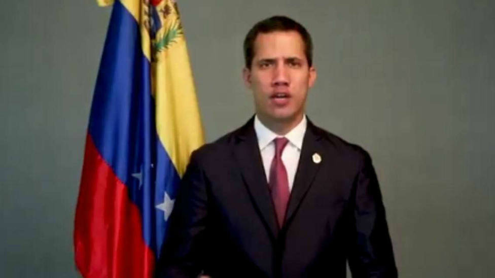 Guaidó denuncia que Maduro pretende disolver el Parlamento este mismo lunes