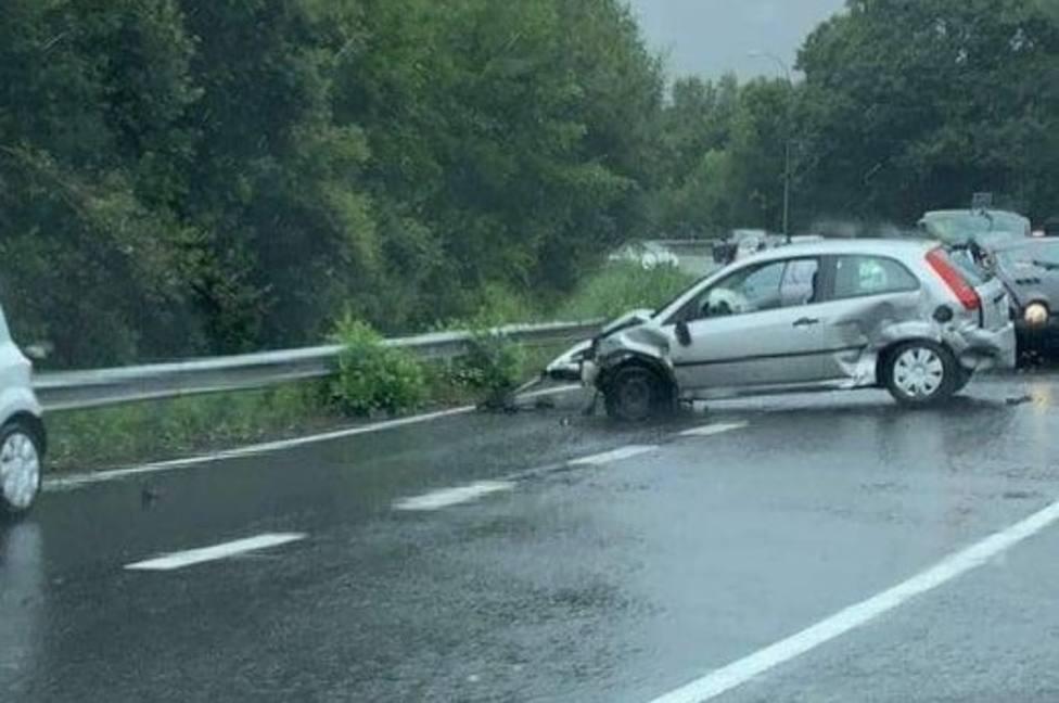 Uno de los vehículos implicados en el siniestro - FOTO: Tráfico Ferrolterra