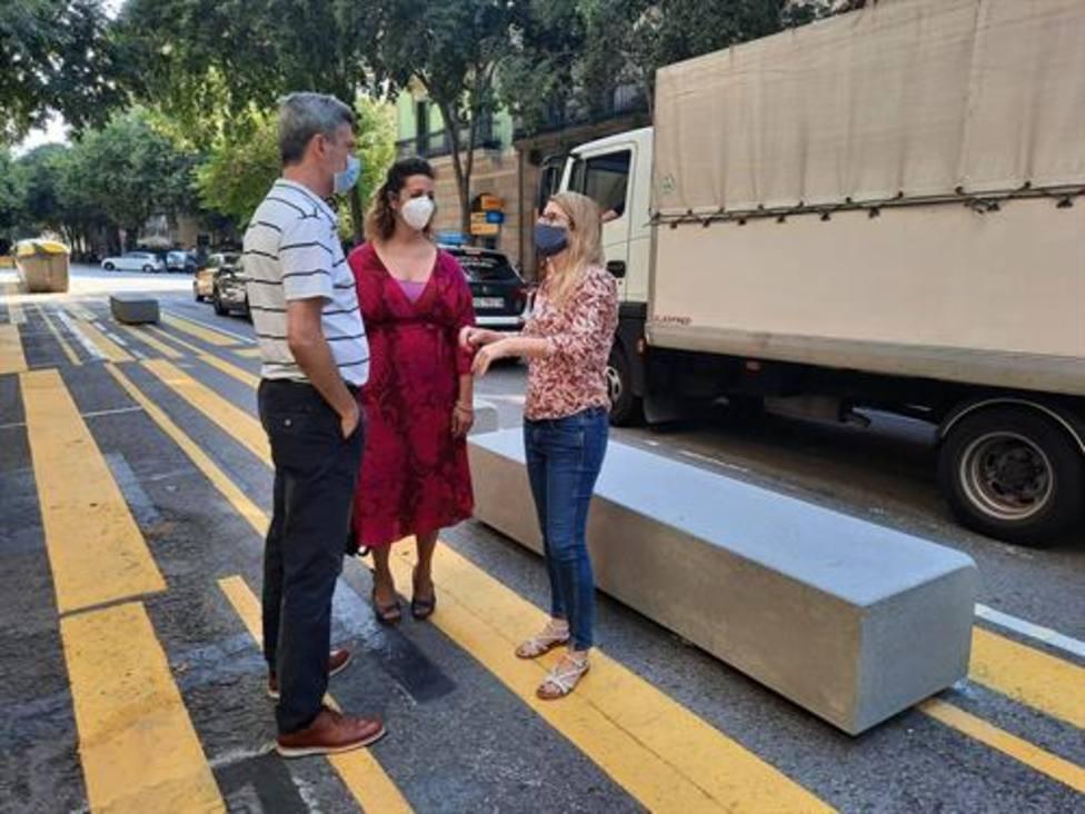 Bloques de hormigón en el Eixample de Barcelona