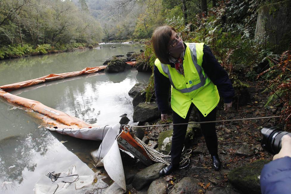 La directora de Augas de Galicia visitó el río Eume. FOTO: Consellería Infraestructuras