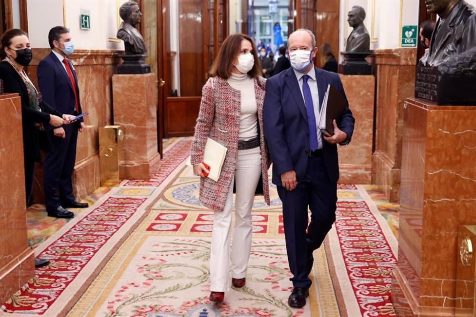 El ministro de Justicia Juan Carlos Campo por los pasillos del Congreso de los Diputados