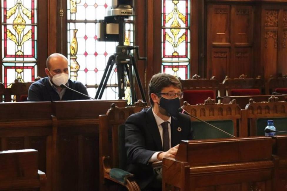 Enrique Fernández en sede parlamentaria