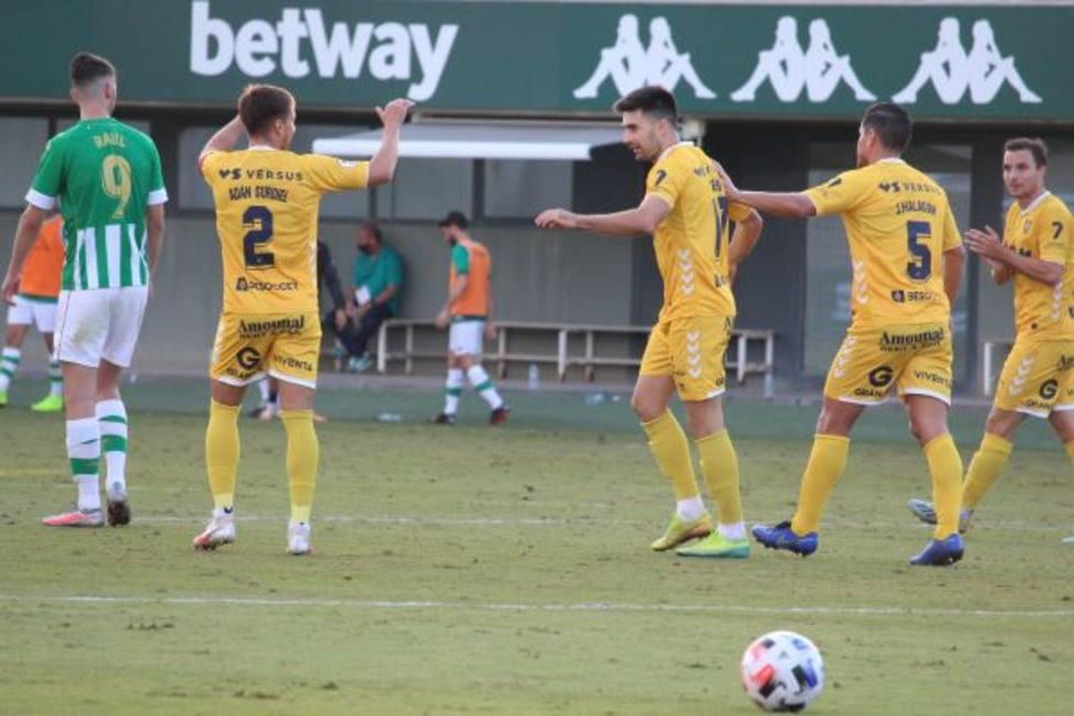 Xemi logró el gol del empate en la ciudad Deportiva Luis del Sol