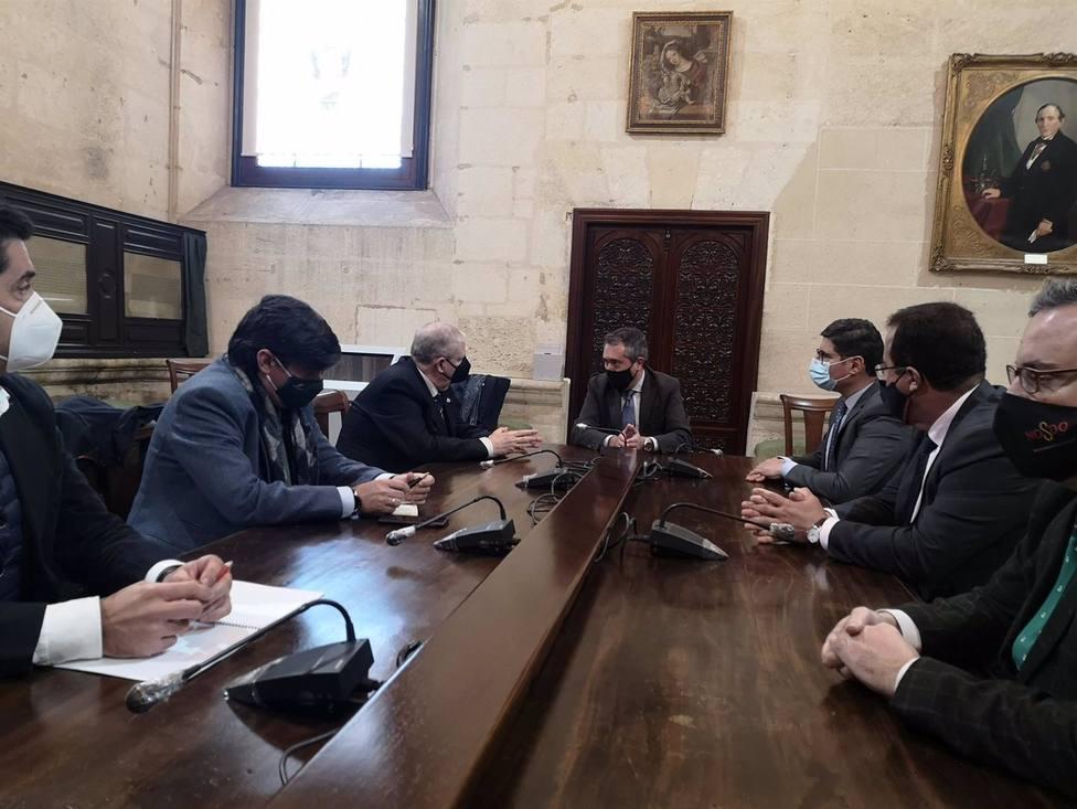 Reunión del alcalde con el presidente del Consejo de Hermandades y Cofradías