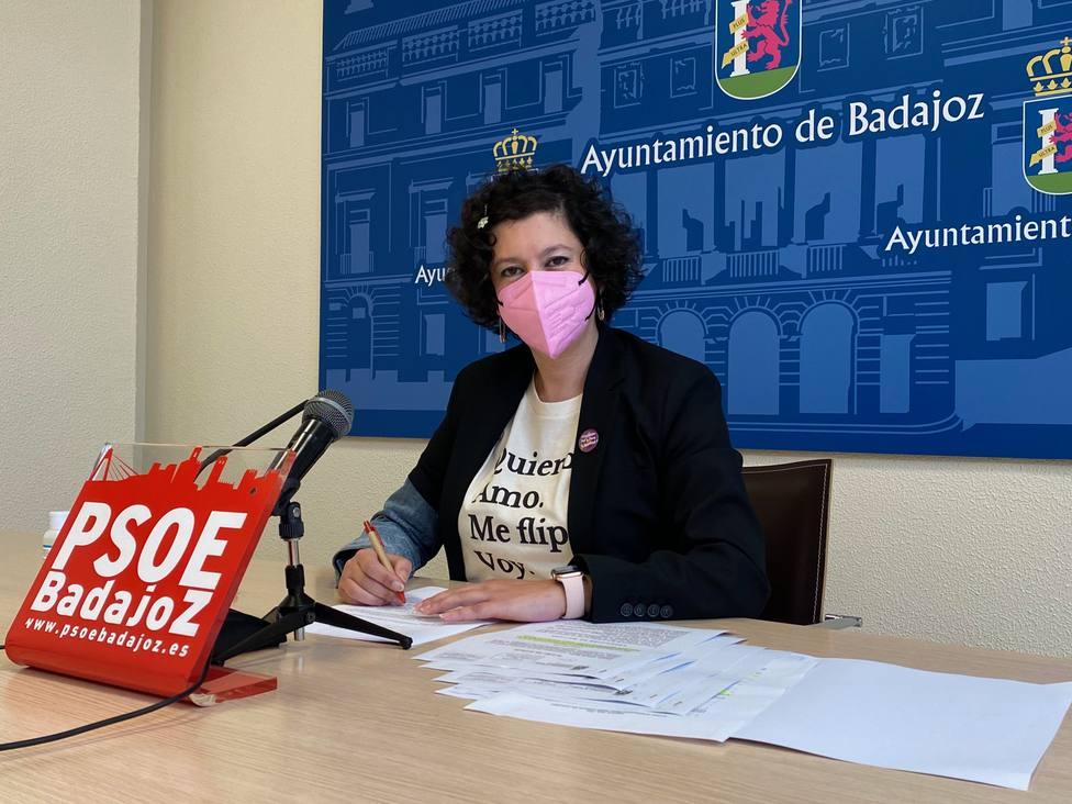 La concejala socialista, Silvia González, en la sala de prensa del Ayuntamiento
