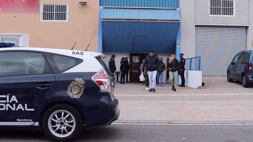 El PP pide a Marlaska que explique la polémica de la patada en la puerta