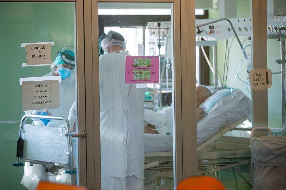 Personal del Hospital Clínico de Zaragoza se prepara para tratar a pacientes de coronavirus