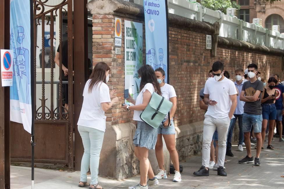 Cataluña admite que hubo una brecha en la web de vacunación que expuso datos personales de muchos ciudadanos