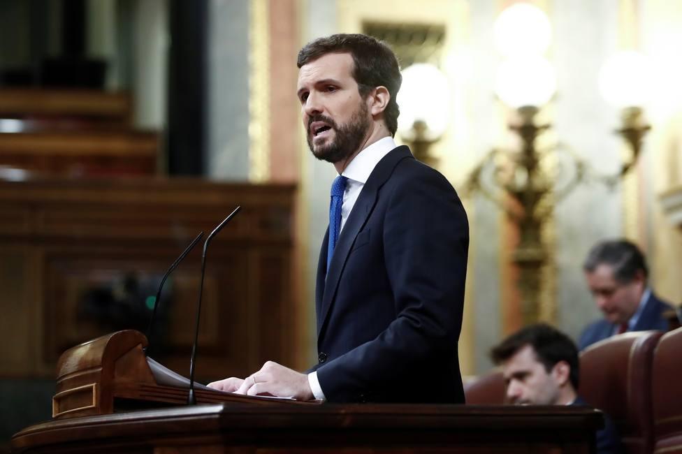 Casado señala al gobierno por blanquear la historia de ETA