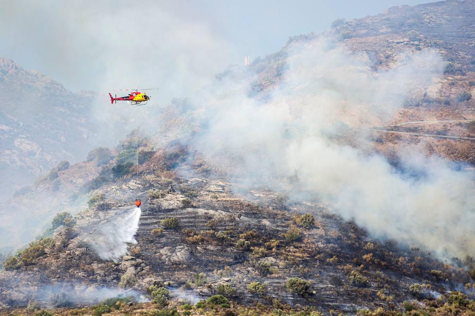 Labores de extinción del incendio de Cap de Creus